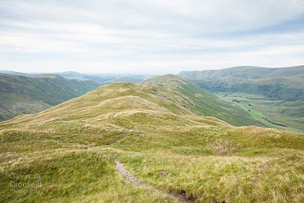 beda head view northwards along green grassy summit ridge above martindale fields