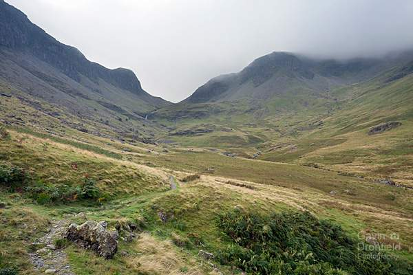 newlands valley footpath towards newlands beck waterfalls and dale head hidden by cloud