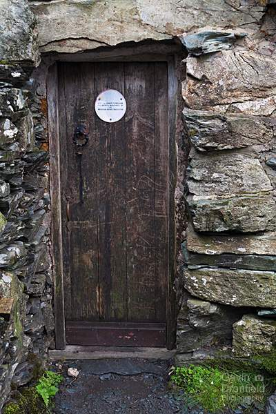Warnscale Head Bothy entrance door