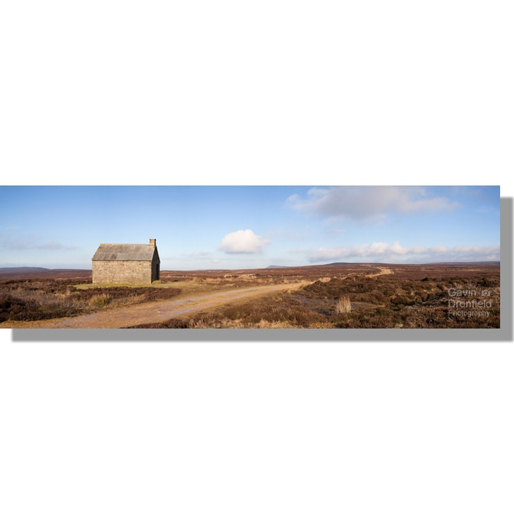 Swainby Shooting House on wintery Whorlton Moor panorama